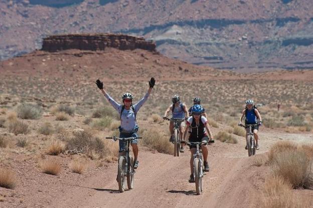bicycling-1160860_640.jpg